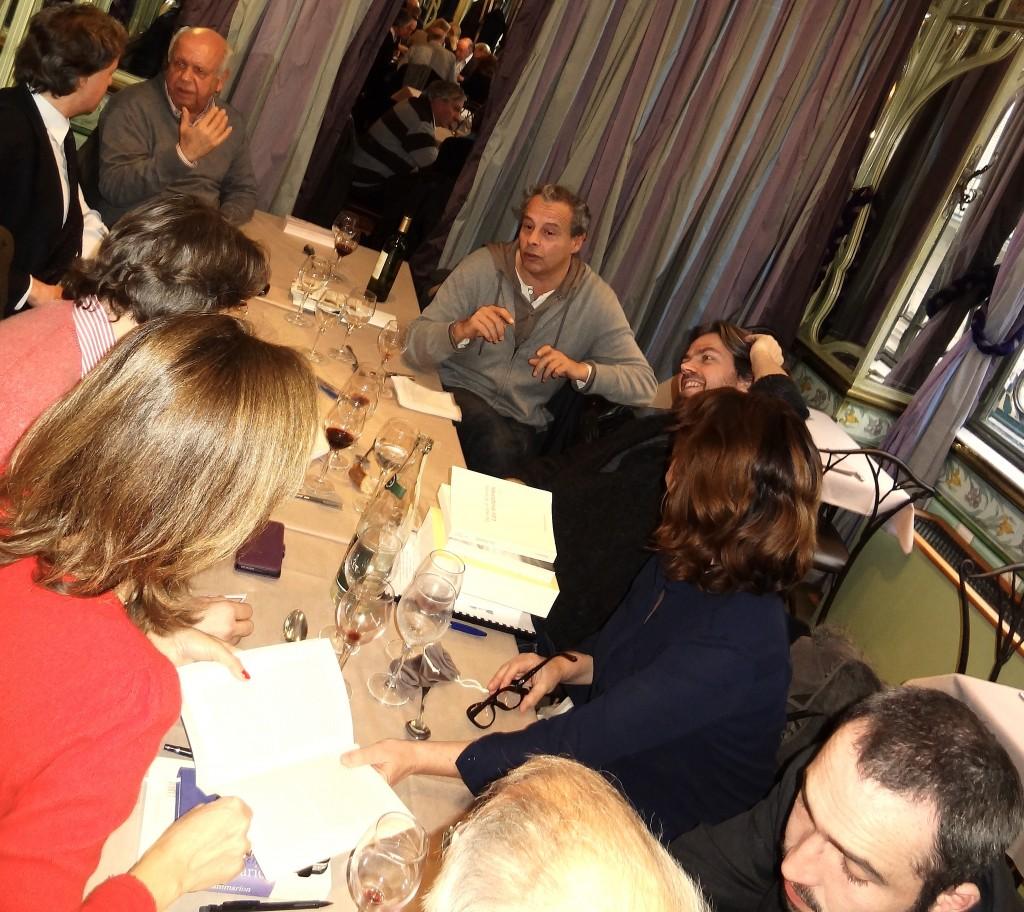 Clockwise : Gregoire Bouillier, Aymeric Caron, Lidia Breda (cheveux), Guillaume Zorgbibe, Roland Jaccard (cheveux), Brigitte Lannaud Levy (cheveux), Nicolas d'Estienne d'Orves (cheveux), Pierre-Guillaume de Roux, Bruno Tessarech